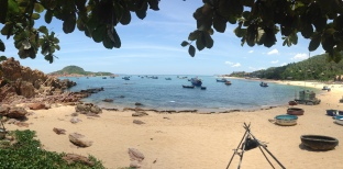 Panoramic view of the fishing boats lining the beach in Bai Xep