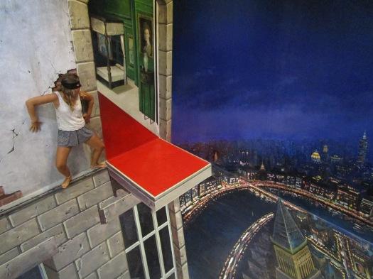 Art in Paradise - Ninja wall illusion